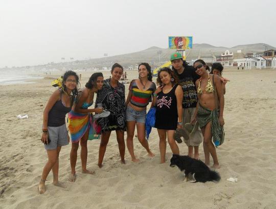 Peru Playa Day